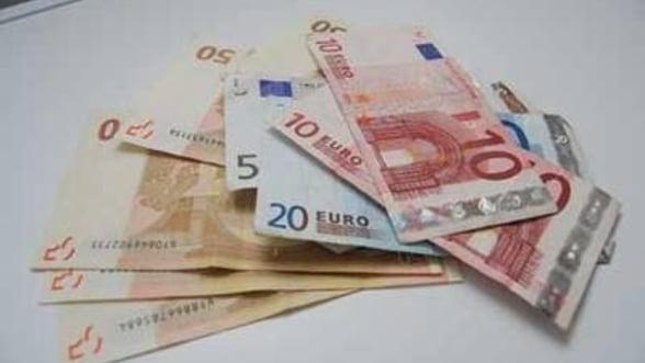BNR: Companiile vor primi mai greu credite in valuta