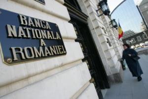 BNR: Plata a minim 40% din remuneratiile variabile ale unor bancheri amanata pentru 3-5 ani