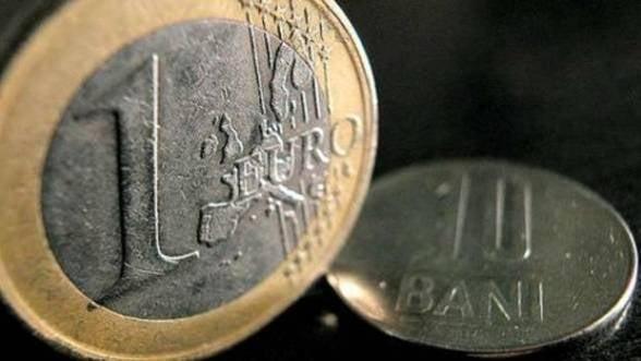 BNR a afisat luni un curs de referinta de 4,4641 lei/euro