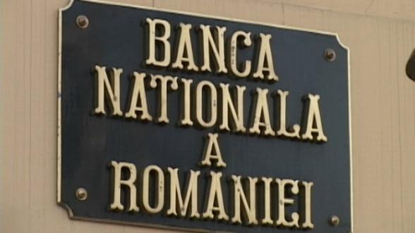 BNR lupta pentru leu. Suma cu care imprumuta bancile, din nou redusa