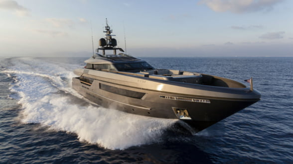 Baglietto Fast, super-iahtul de mare viteza care fura toate privirile la salonul nautic de la Cannes