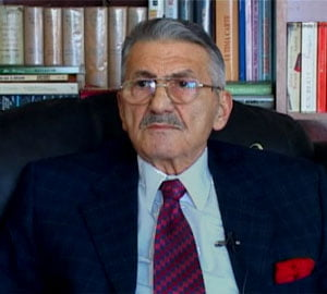 Baltazar: Mugur Isarescu, ancora de rationalitate intr-o lume politica bezmetica