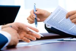 Banca din România care a fost amendată cu 80.000 de lei pentru lipsa de informații din contractele de credit ipotecar. Cum au fost afectați clienții