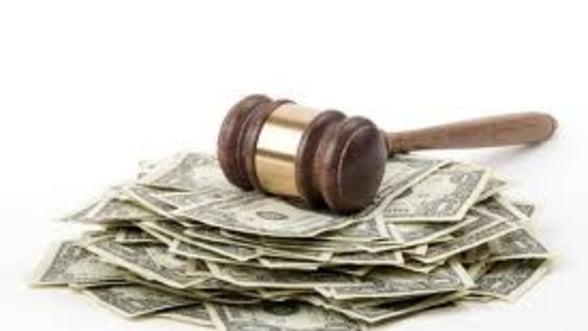Bancile ar putea pierde 5 miliarde de lei, din procesele colective pe clauze abuzive