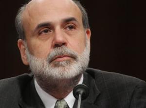 Bancile centrale isi sacrifica independenta pe altarul crizei economice