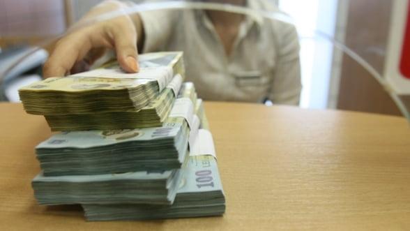 Bancile nu dau credite, dar traiesc din comisioane