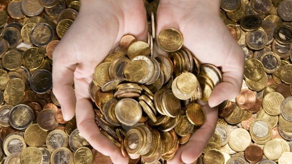 Bani: Bancile promit dobanzi avantajoase la depozite. Cat primesti de fapt?