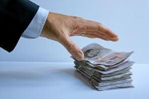 Bani mai multi pentru profesorii incepatori