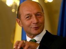 "Basescu: ""pacat"" ca ne petrecem concediile, in afara Romaniei"