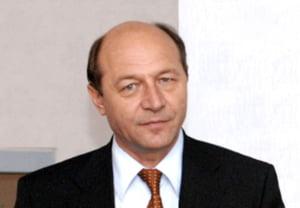 """Basescu: Actionam preventiv. Romania nu a solicitat """"un pachet de ajutor"""""""