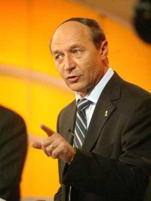 Basescu: Concediul impus bugetarilor nu este o solutie