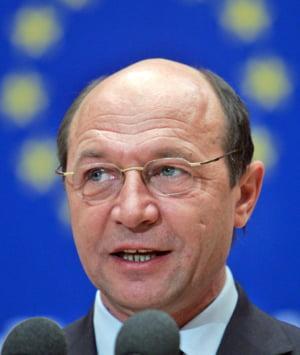 Basescu: Deficitul de 5% din PIB pune Romania intr-o situa?ie extrem de dificil?