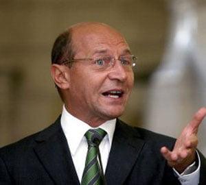 Basescu: Fara banii FMI si UE nu putem plati salariile si pensiile