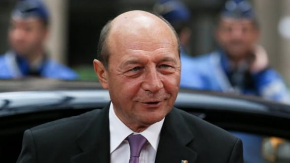Basescu: Romania va participa la misiunea OSCE din Ucraina