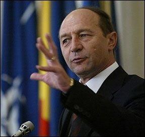 Basescu: Toti angajatii Rosia Montana vor fi romani