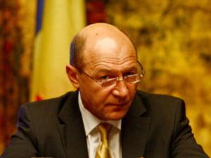 Basescu: de atitudinea parlamentarilor depinde soarta Romaniei