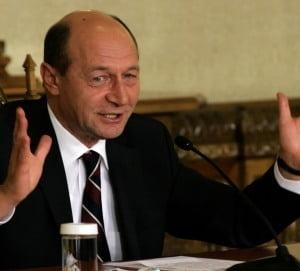 Basescu a promulgat Legile austeritatii