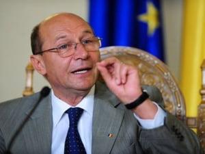 Basescu a vorbit in CSAT despre importanta deschiderii si atragerii de catre Guvern de investitii