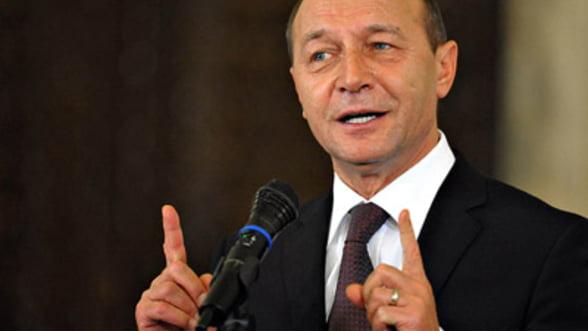 Basescu catre romanii din Chicago: Romania nu va poate plati salarii ca in SUA