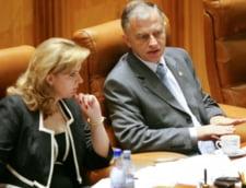 Basescu cere Parlamentului sa adopte mai repede legea asistentei sociale