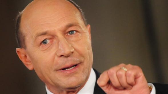 Basescu cere socoteala Bancii Nationale pentru electorata: Este un fals, o pacaleala