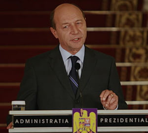 Basescu cheama oamenii de afaceri din Golf sa investeasca in Romania