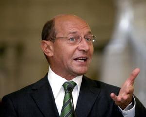 Basescu ii ia cardul lui Vreme, daca taxele nu se vor plati on-line