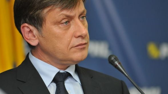Basescu il lasa pe Ponta interimar la Transporturi sa finalizeze privatizarea CFR Marfa
