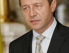 Basescu se va consulta cu Guvernul despre cheltuielile din administratie