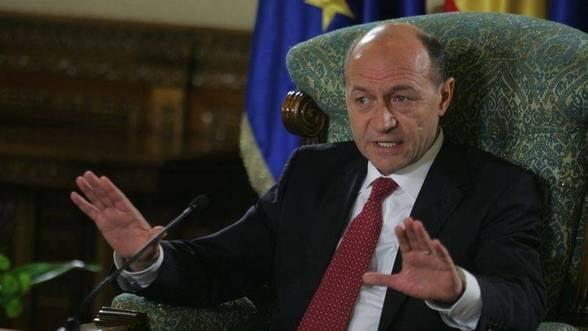 Basescu spera la crestere de 2,5% pe T4