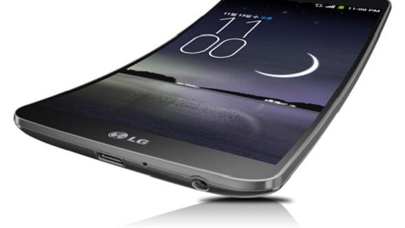 Batalia telefoanelor curbate: Samsung Galaxy Round contra LG G Flex