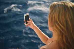 Batul de selfie ucide mai multi oameni decat rechinii