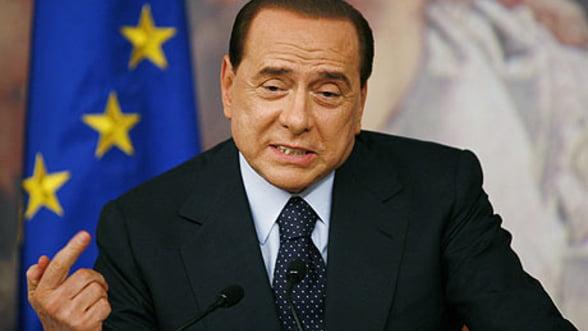Berlusconi riposteaza la criticile UE