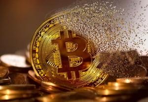 Bitcoin, la un pas de a atinge o capitalizare de 1 trilion de dolari
