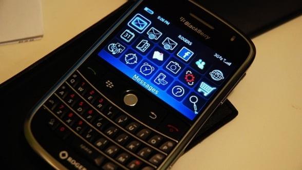 BlackBerry cumpara compania care securiza telefonul Angelei Merkel. Germanii, circumspecti