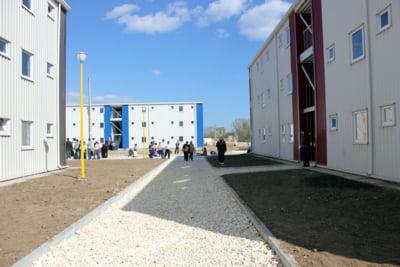 Blocuri din containere, noua gaselnita a edililor pentru a oferi locuinte sociale