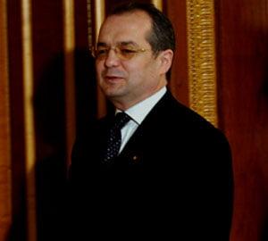 Boc: Exista posibilitatea revenirii salariilor in 2012