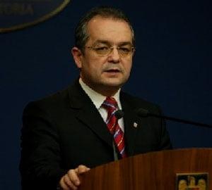 Boc, despre oficialii BNR: e mai usor sa comentezi din tribuna decat pe teren