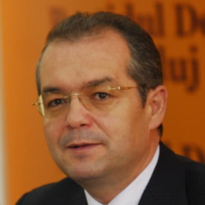 Boc anunta ca Executivul va adopta saptamana viitoare principiile Legii salarizarii unice