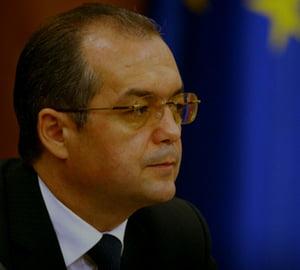 Boc anunta sfarsit de recesiune in Romania