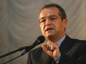 Boc isi angajeaza raspunderea pe Legea privind Codul Dialogului Social