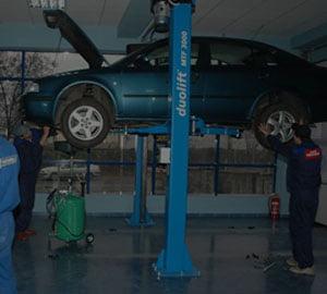 Bogdan Axinia, auto.ro: Romanii isi aleg service-ul in functie de pret