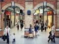 Britanicii pun lacatul pe usa magazinelor. Comertul online trage pe dreapta afacerile clasice