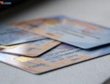 Bucurestenii care nu si-au ridicat cardurile de sanatate, atentionati prin SMS