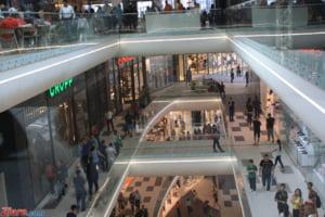 Bucurestenii isi vor ridica din august pasapoartele de la mall