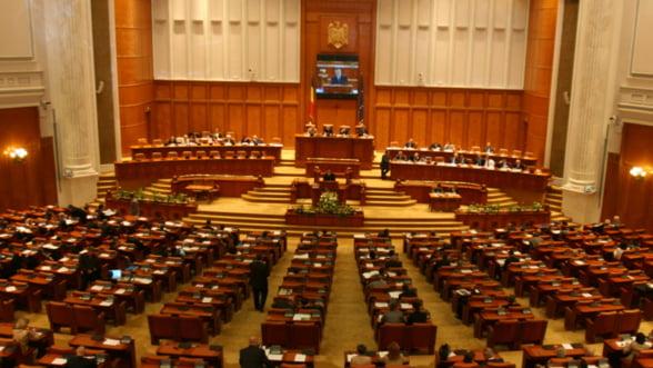 Bugetul, pe fast-forward. Cele 52 de articole au fost adoptate intr-o ora