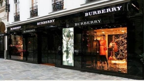 burberry deschide un nou magazin in paris. Black Bedroom Furniture Sets. Home Design Ideas