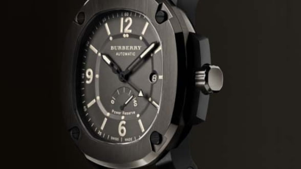 Burberry intra pe piata ceasurilor de lux. Galerie Foto