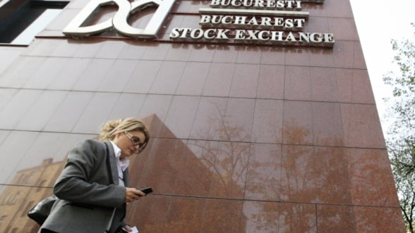 Bursa a scazut usor la deschidere, iar lichiditatea ramane redusa