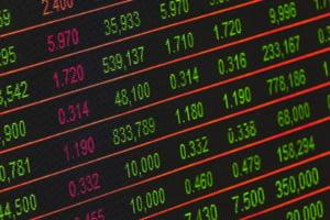 "Bursa incepe sa-si revina, dar e inca instabila dupa ""baia de sange"" de miercuri"